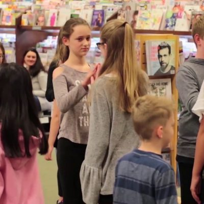 Inspiring-Lives-Magazine-Flashmob-at-Barnes-Noble